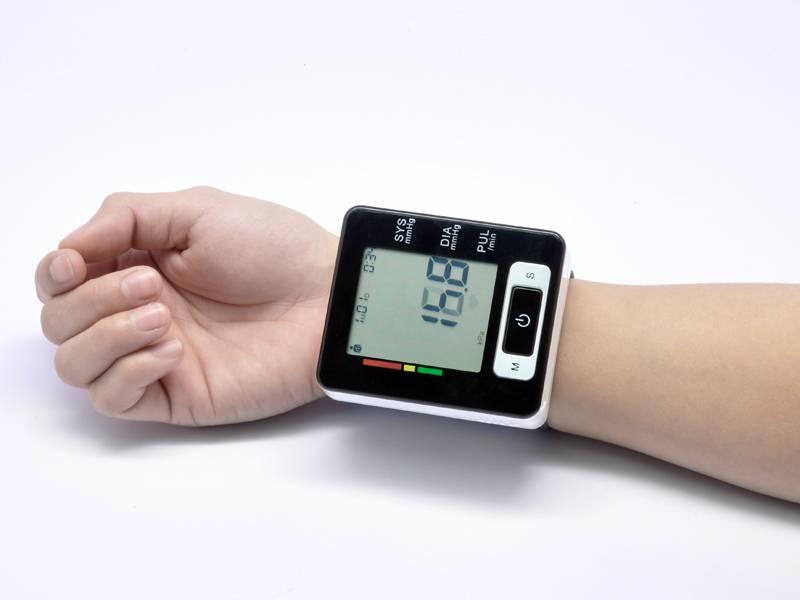 اندازه گیری فشار خون با دستگاههای دیجیتالی