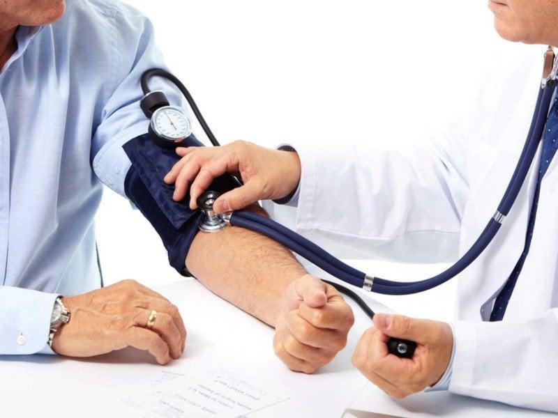 فشار خون پایین چند است؟ ( + علائم فشار خون پایین )