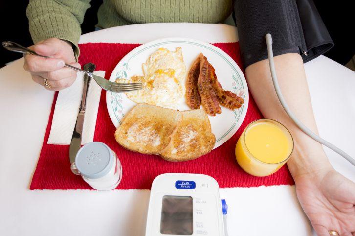 فشار خون پایین پس از صرف غذا